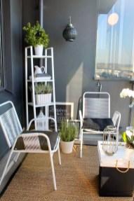 Impressive Fall Apartment Balcony Decorating Ideas To Try31