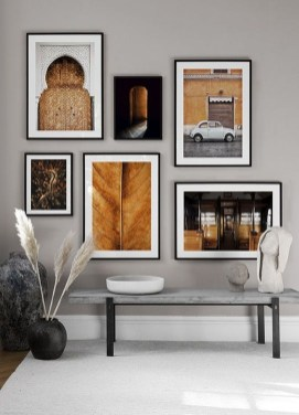 Popular Gallery Collection Wall Design Ideas To Try In The Living Room33
