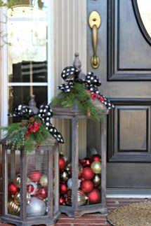 Stunning Diy Outdoor Decoration Ideas For Christmas That Looks Cool33