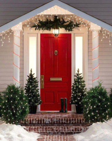 Stunning Diy Outdoor Decoration Ideas For Christmas That Looks Cool35