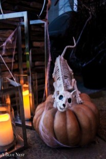 Unique Halloween Porch Ideas On A Budget07