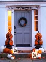 Unique Halloween Porch Ideas On A Budget41