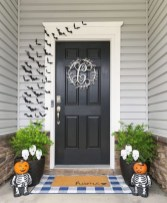 Unique Halloween Porch Ideas On A Budget43