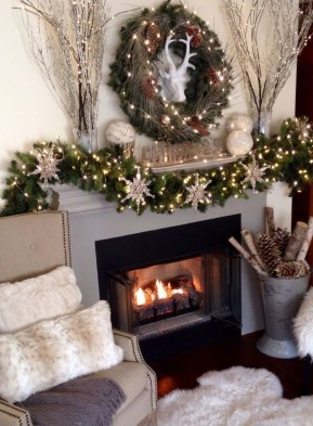 Astonishing Holiday Decorating Ideas With Lights To Try This Season 09