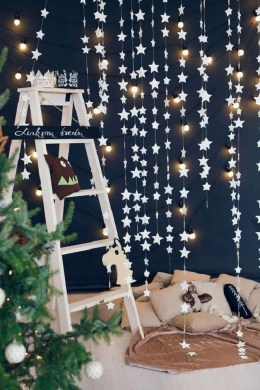 Astonishing Holiday Decorating Ideas With Lights To Try This Season 17