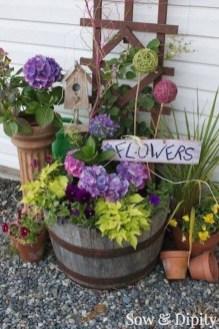 Chic Summer Planter Design Ideas For Summer Outdoor Pool 01