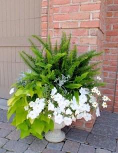 Chic Summer Planter Design Ideas For Summer Outdoor Pool 29
