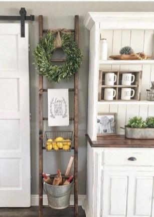 Cozy Farmhouse Home Decor Ideas To Get A Past Impression 12