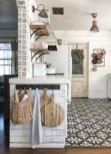 Cozy Farmhouse Home Decor Ideas To Get A Past Impression 36