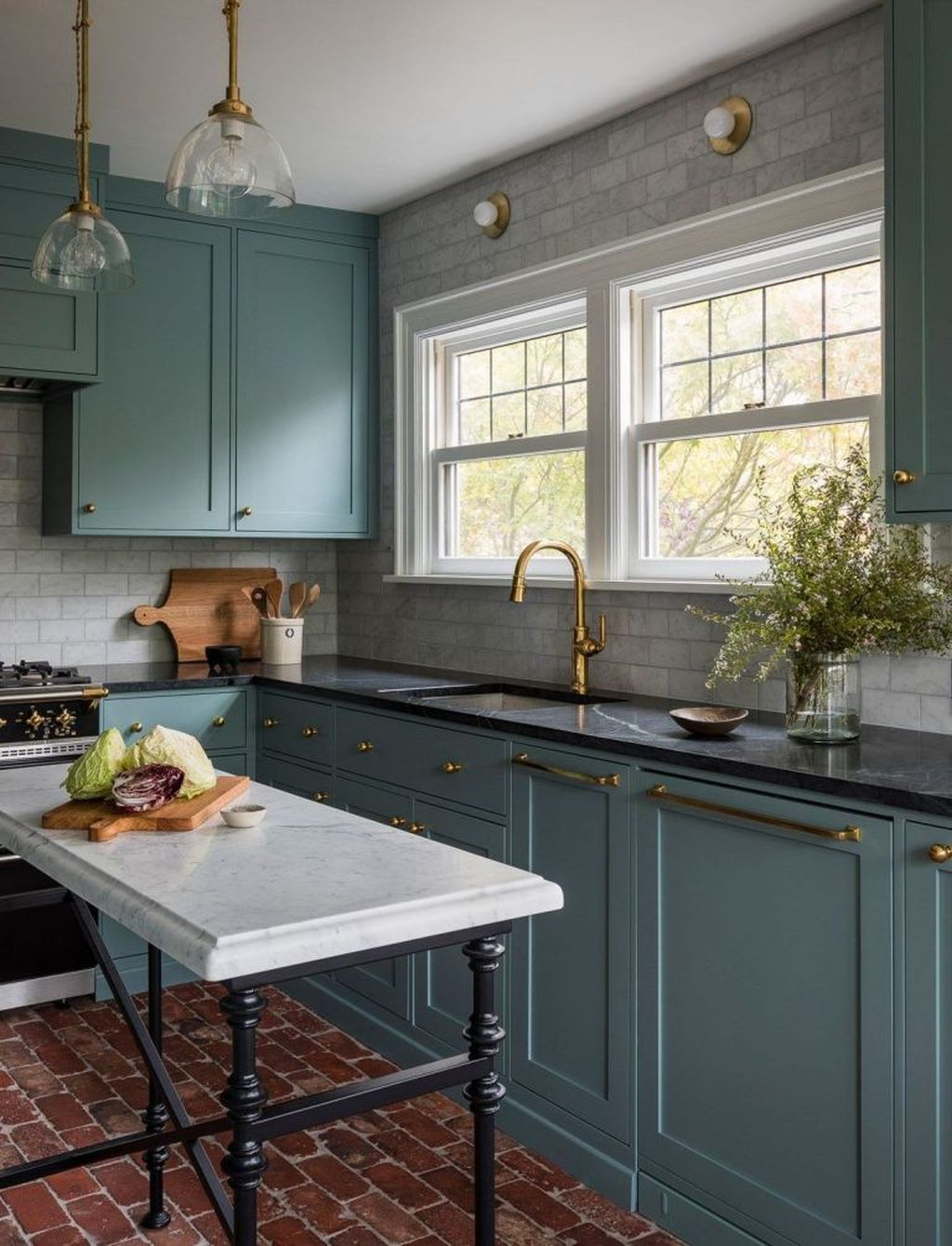 Fascinating Kitchen Design Ideas With Victorian Style 19