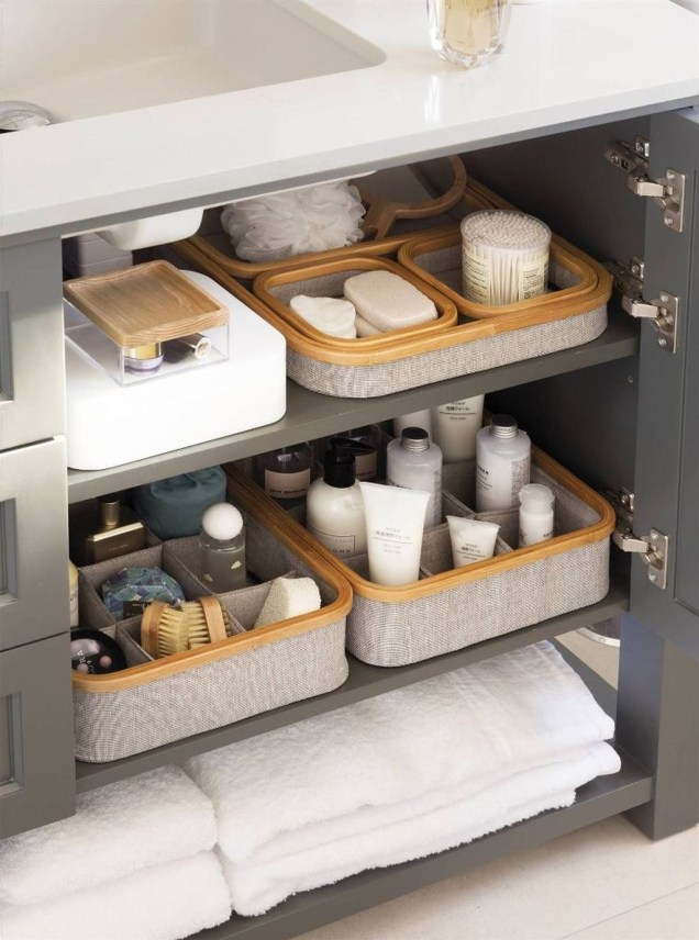 Impressive Bathroom Organization Ideas For Your First Apartment In College 38