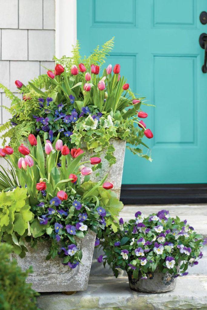 Impressive Summer Planter Design Ideas For Front Yard Decoration 07