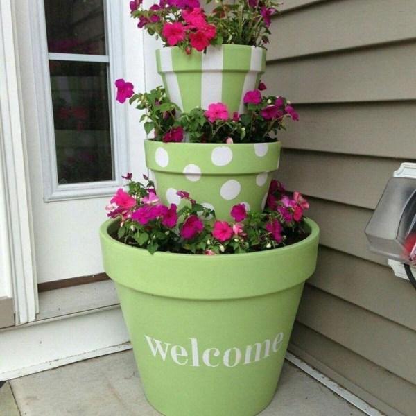 Impressive Summer Planter Design Ideas For Front Yard Decoration 23