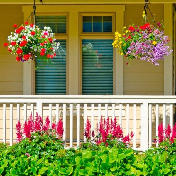 Impressive Summer Planter Design Ideas For Front Yard Decoration 45