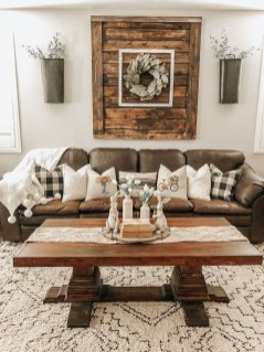 Popular Farmhouse Living Room Makeover Decor Ideas To Have Now 31