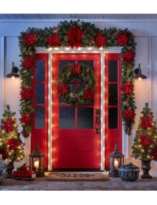 Affordable Christmas Porch Decoration Ideas To Try This Season 01