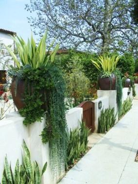Awesome Mediterranean Garden Design Ideas For Your Backyard 24