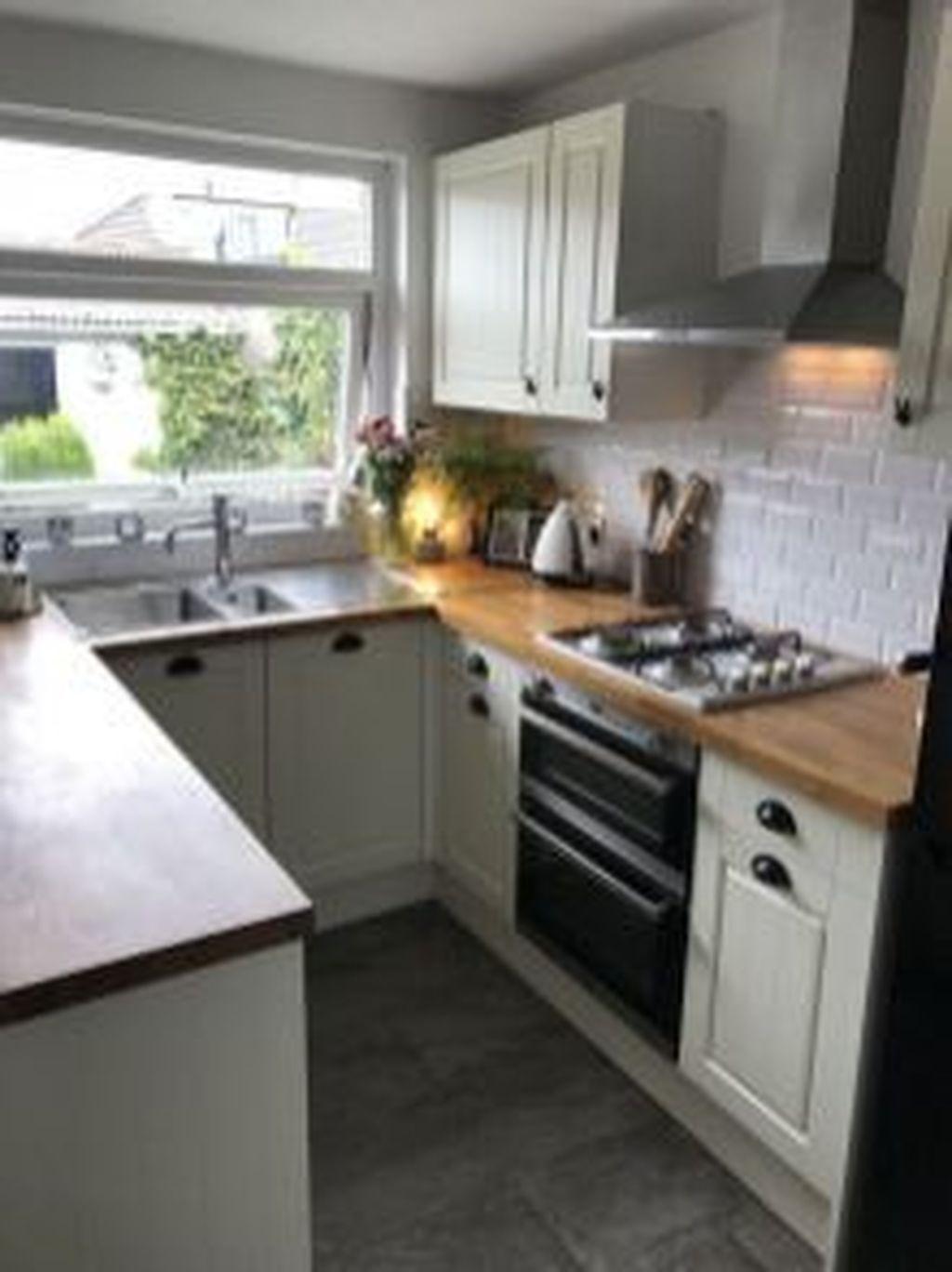 Brilliant Small Kitchen Remodel Design Ideas On A Budget 26