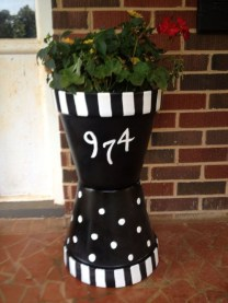 Dreamy Front Door Flower Pots Design Ideas To Increase Your Home Beauty 06