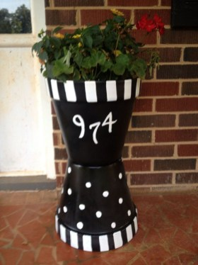 Dreamy Front Door Flower Pots Design Ideas To Increase Your Home Beauty 06