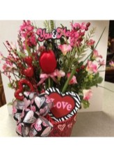 Excellent Valentine Floral Arrangements Ideas For Your Beloved People 15