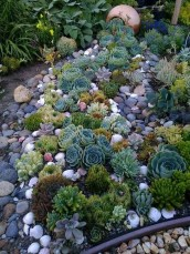 Favorite Garden Design Ideas That Are Suitable For Your Home 37