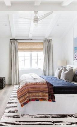 Gorgeous Beachy Farmhouse Bedroom Design Ideas For Cozy Sleep 08