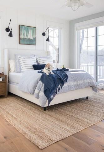 Gorgeous Beachy Farmhouse Bedroom Design Ideas For Cozy Sleep 12