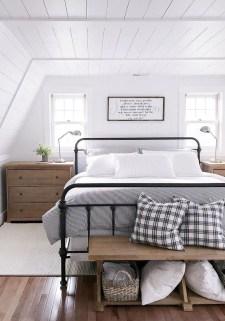 Gorgeous Beachy Farmhouse Bedroom Design Ideas For Cozy Sleep 20