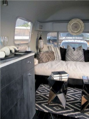 Lovely Caravans Design Ideas For Cozy Camping To Try 33