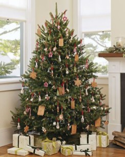 Luxury Christmas Decor Ideas For Small Space To Try 05