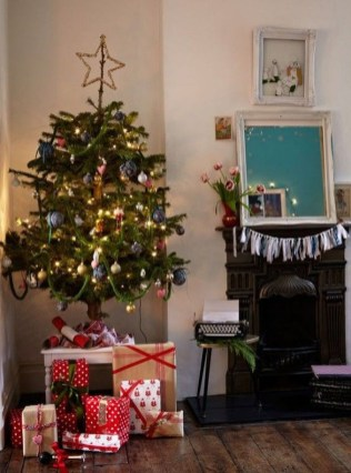 Luxury Christmas Decor Ideas For Small Space To Try 06