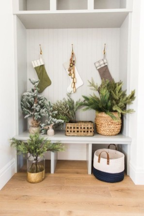 Luxury Christmas Decor Ideas For Small Space To Try 25