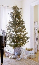 Marvelous Farmhouse Christmas Decor Ideas That You Must Try 04