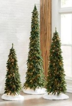 Marvelous Farmhouse Christmas Decor Ideas That You Must Try 23