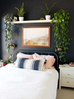 Relaxing Bedroom Wallpaper Decoration Ideas For Comfortable Bedroom 31