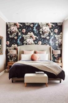 Relaxing Bedroom Wallpaper Decoration Ideas For Comfortable Bedroom 32
