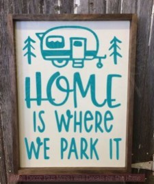 Sophisticated Christmas Rv Decorations Ideas For Valuable Moment 19