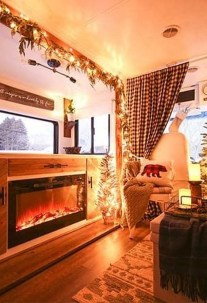 Sophisticated Christmas Rv Decorations Ideas For Valuable Moment 22