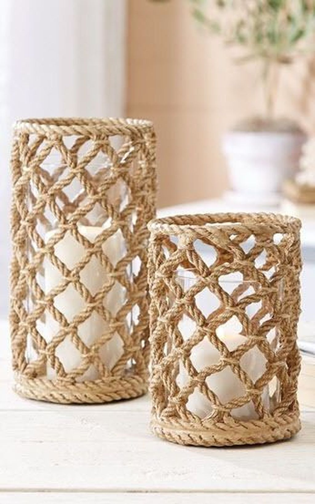 Stunning Large Candle Holders Decoration Ideas For Romantic Homes 33