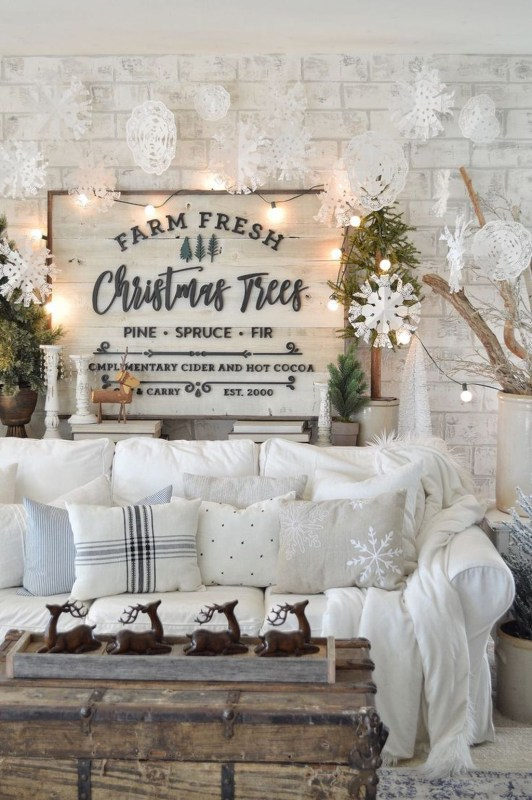 Beautiful Farmhouse Christmas Decor Ideas To Have Right Now 29