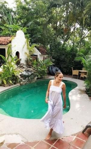 Cute Cabana Swimming Pool Design Ideas That Looks Charming 26