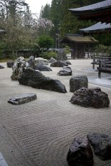 Inspiring Rock Garden Ideas To Make Your Landscaping More Awesome 27