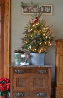 Pretty Christmas Decor Ideas For Small Space To Try Asap 19