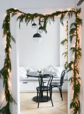 Pretty Christmas Decor Ideas For Small Space To Try Asap 26