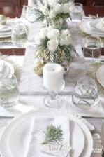 Pretty Winter Table Decoration Ideas For A Romantic Dinner 11