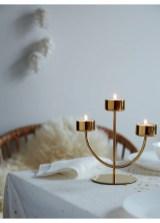 Pretty Winter Table Decoration Ideas For A Romantic Dinner 17