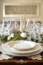Pretty Winter Table Decoration Ideas For A Romantic Dinner 21