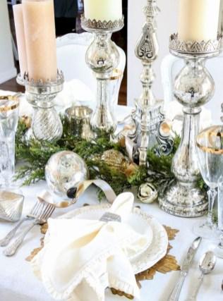 Pretty Winter Table Decoration Ideas For A Romantic Dinner 26