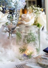 Pretty Winter Table Decoration Ideas For A Romantic Dinner 30